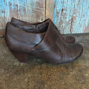 Bare Traps Tacey Brown Ankle Heeled Booties